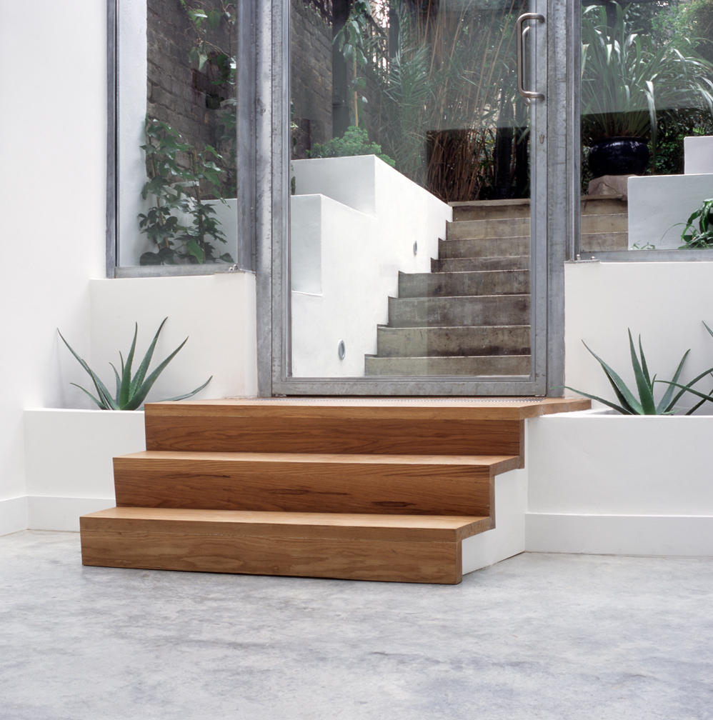 col-998px-interior-stair-to-exterior