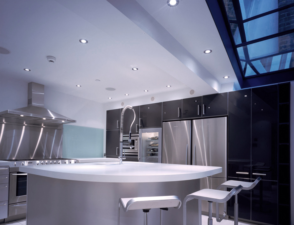 que-998px-queens-theatre-battersea-kitchen