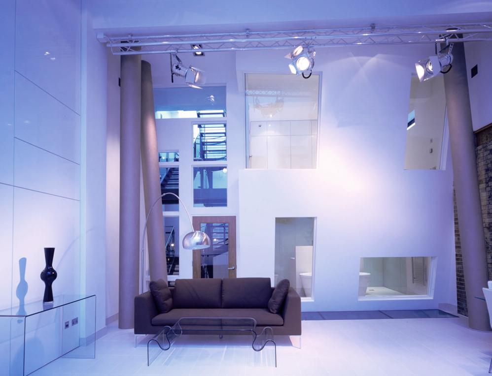 que-998px-queens-theatre-battersea-living-2